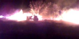 """بالفيديو… هذا شجاع ونص… مول """"تراكتور"""" يبهر المواطنين بامغيلة ببني ملال ويغامر بنفسه لاخماد حريق مهول بطريقة بطولية"""