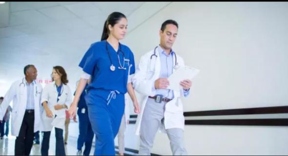 ها ضمير فين خلاه الله… أطباء كندا ينتفضون ضد الحكومة بسبب زيادتها في أجورهم ويرفضون تسلمها