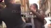 بالفيديو والمعنى الحقيقي ديال بان لو لبرق… وزير ايطالي سابق يصفع صحافيا
