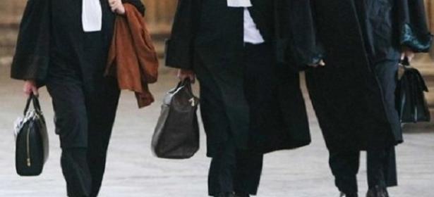 الشرطة القضائية تستدعي 21 محام للتحقيق معهم وهذا ما قررته نقابتهم