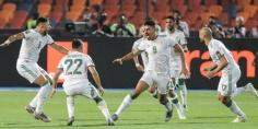 """انتهاء الشوط الأول من نهائي """"الكأن"""" بتقدم المنتخب الجزائري بهدف نظيف"""