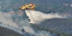 """طائرات """"كانادير"""" تواصل الجهود لإخماد حريق أتى على نحو 725 هكتار من الغطاء الغابوي بضواحي شفشاون"""