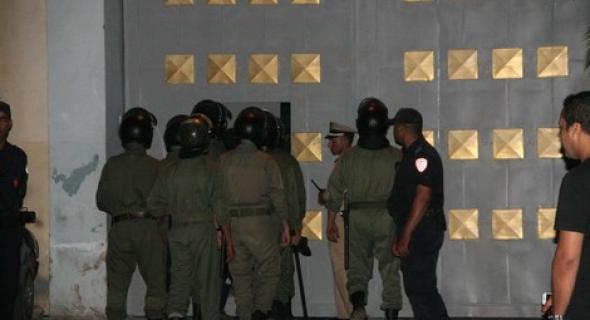 بحال دكشي ديال الافلام… 7 سجناء يفرون من السجن بطريقة غريبة ونقل حراس السجن للمستشفى بينهم حالة حرجة