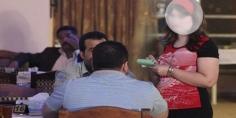 نادلات المقاهي … بين عزة النفس والشرف وبين الدعارة وضغط وتحرشات الزبناء