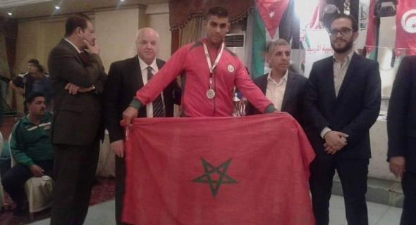 برافو…البطل ابن بني ملال يفوز ببطولة العرب في الكيك بوكسينغ و يرفع راية المغرب بالأردن