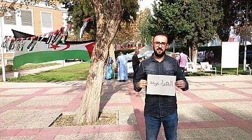 """ها لمغاربة لحرار..دكتور ملالي يرفع """"الصحراء مغربية"""" في وجه اعتصام لمحسوبين على البوليساريو داخل جامعة باسبانيا ويحرج الدبلوماسية المغربية-الصورة-"""