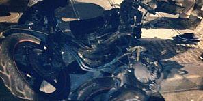 عااااجل… سلامة… اصطدام عنيف بين دراجة من الحجم الكبير وسيارة ونقل صاحب الدراجة في حالة حرجة لمستعجلات بني ملال