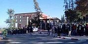 المستفيذون من البرنامج الحكومي ل25 ألف موجز يحتجون أمام ولاية جهة بني ملال خنيفرة