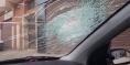"""رزاو ماليهم وشبعو خبز… """"مشرملين"""" يعترضون السيارات بالشارع ببني ملال ويكسرون 4 منها ويرعبون أصحابها -صور-"""