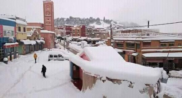 طقس بارد جدا يوم الإثنين وزخات مطرية وثلوج بجبال الأطلس -نشرة لمديرية الأرصاد-