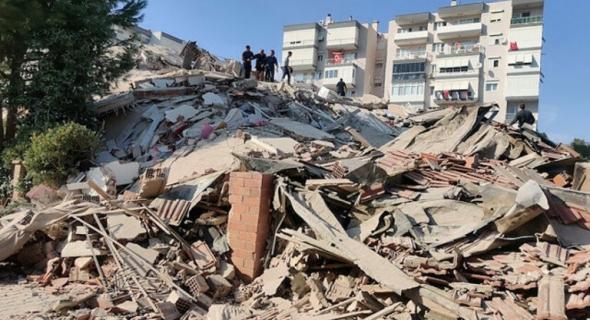 زلزال قوي يضرب تركيا ويخلف قتلى وجرحى ومفقودين