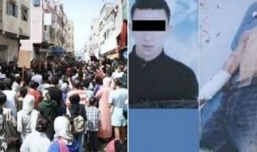 """بالفيديو الحصري… جريمة قتل الشاب محمد بالشارع تخرج ساكنة سلا في مسيرة حاشدة للاحتاج على """"الانفلات الأمني"""""""