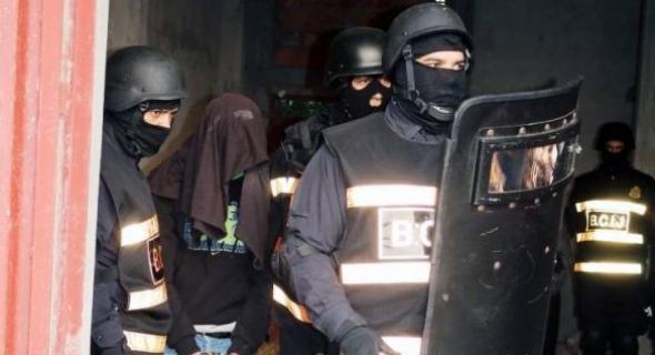 عاجل… رجال الخيام يضربون بقوة ويعتقلون 7 إرهابيين بحوزتهم أسلحة وذخيرة ومتفجرات وكانو بغاو يراونوها