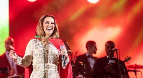"""اش تاتقول هذي+فيديو!!… نشطاء الفيسبوك غاضبون من زينة الداودية بسبب حفل بالسعودية قالت فيه:"""" ولادكم عدنا وبناتنا عندكم""""! واخرون يعلقون :"""" خانها التعبير"""""""