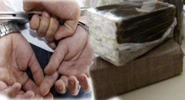 """""""مول دطاي"""" يقود إلى اعتقال مروج مخدرات خطير من طرف الشرطة وحجز كيلوغرامين من """"الشيرا"""""""